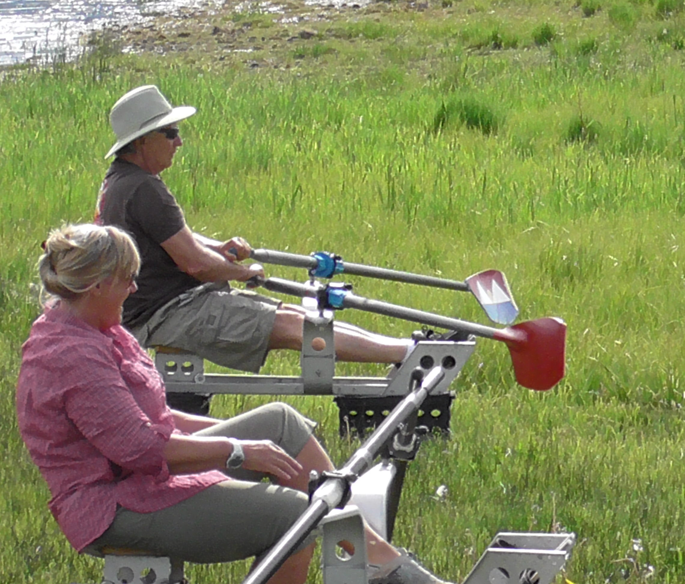 Land rowing simulator